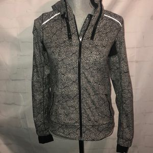 Lululemon Black & White Floral Print Jacket Size 2